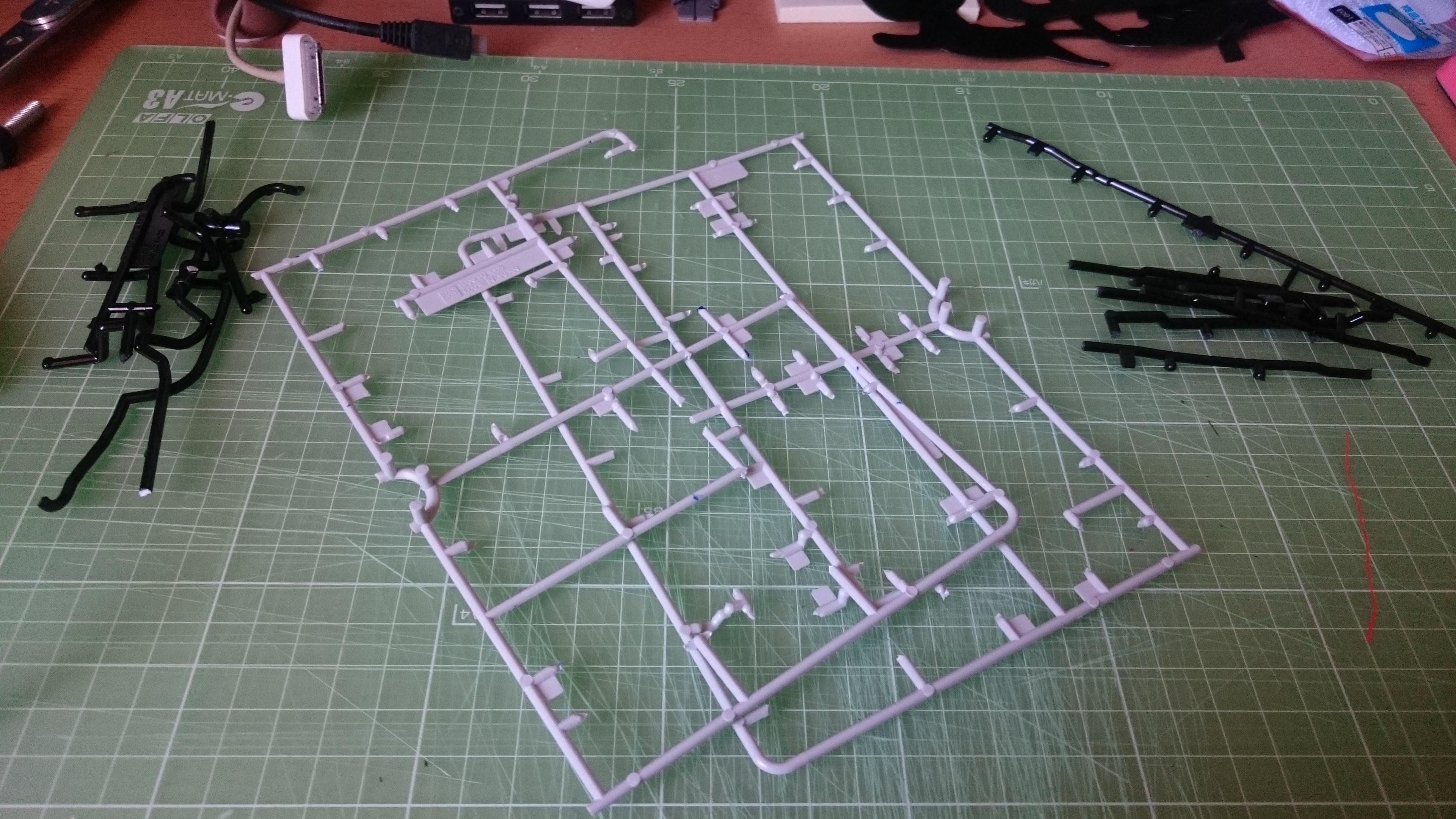 プラモデルを組み上げたあとに残るランナー。これを使います。
